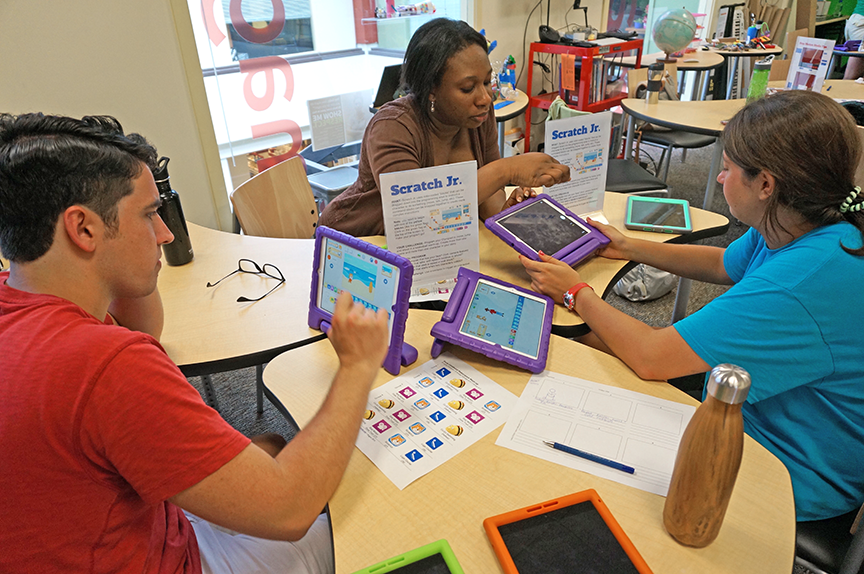 Lesley students engage in Scratch Jr.